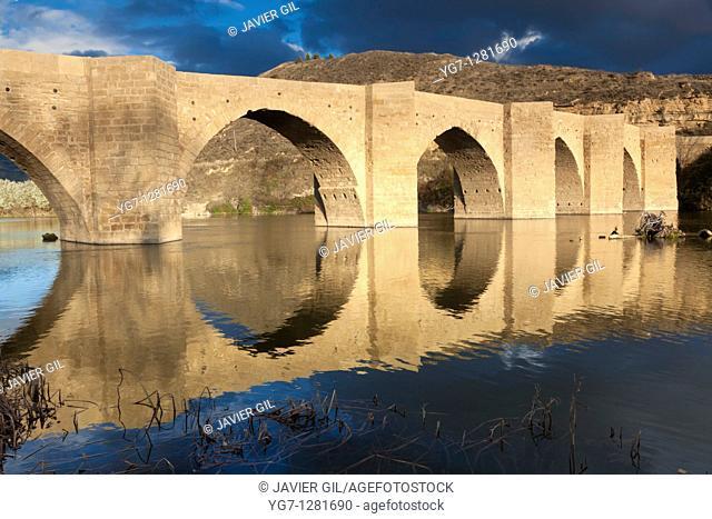 Bridge over the river Ebro, Briñas, La Rioja, Spain