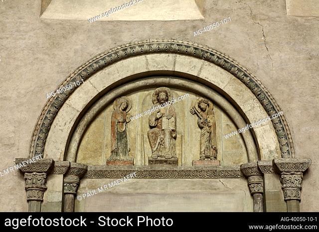 Tympanon, Christus zwischen Maria und Petrus nach Mitte des 12. Jahrhunderts , Trier, Hohe Domkirche St. Peter