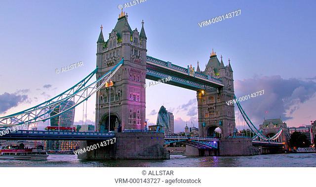 TOWER BRIDGE; LONDON, ENGLAND; 22/09/2016