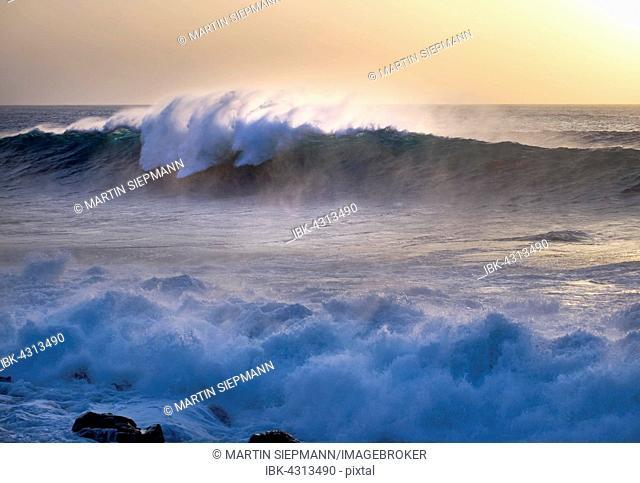 Ocean waves, Atlantic, Valle Gran Rey, La Gomera, Canary Islands, Spain