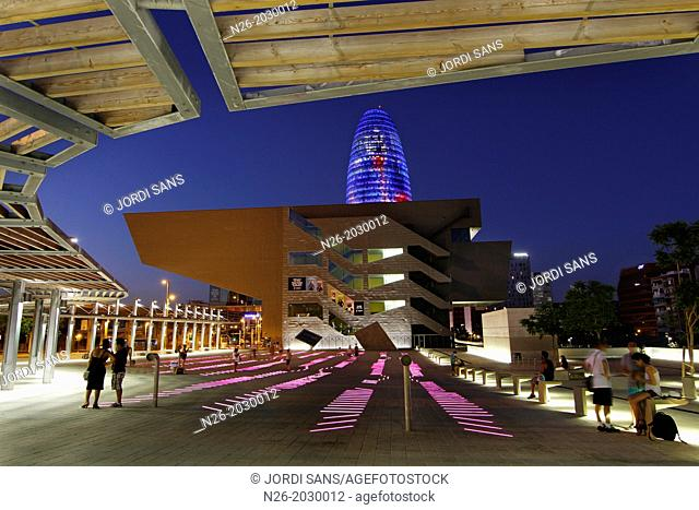 Building Design Hub Barcelona, by MBM architects. Agbar Tower, by Jean Nouvel. Barcelona