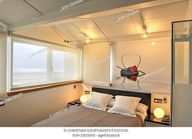 Punta Montas Hotel, Zurriola beach, district of Gros, San Sebastian, Bay of Biscay, province of Gipuzkoa, Basque Country, Spain, Europe