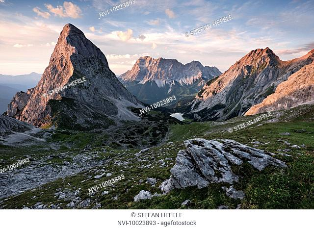 Overlooking the Seebensee with Zugspitze and Sonnenspitze, Wetterstein Mountains, Alps, Tyrol, Austria, Europe