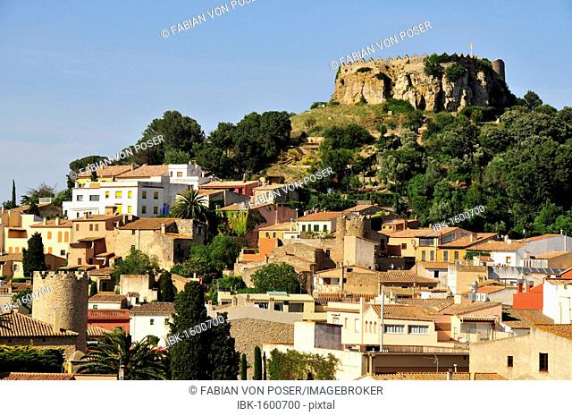 Overlooking the historic town of Begur with the remains of the castle of Begur, Costa Brava, Spain, Iberian Peninsula, Europe
