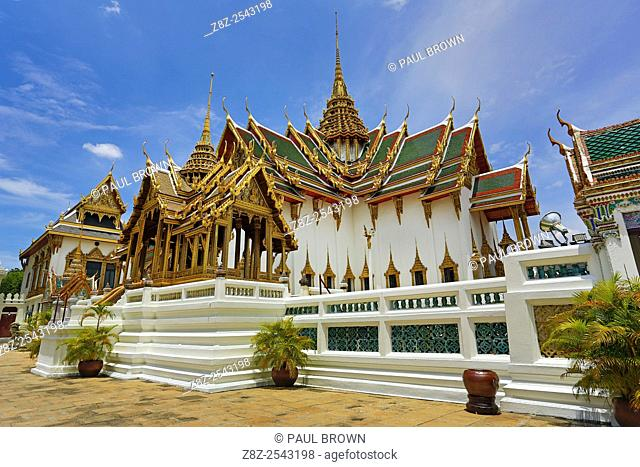 Phra Thinang Dusit Maha Prasat building and spire in the Grand Palace Complex, Wat Phra Kaew, Bangkok, Thailand