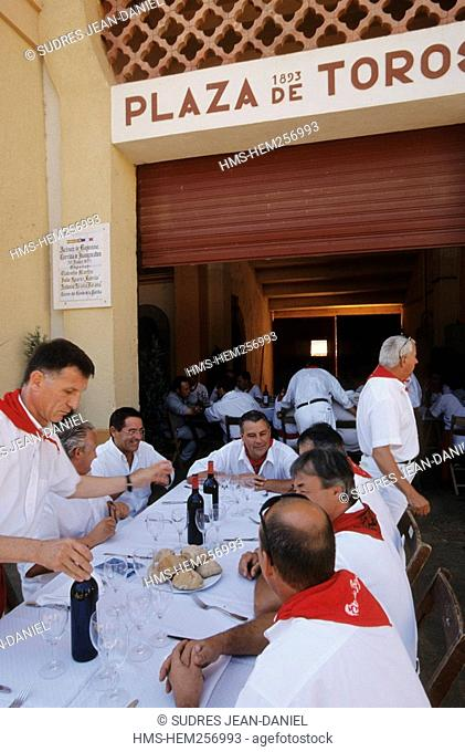 France, Pyrenees Atlantiques, Bayonne, meal of the Bullfighting Society at the Patio de Caballos in the bullrings during Bayonne Festivals