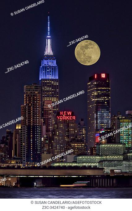 Empire State ESB Super Moon NYC
