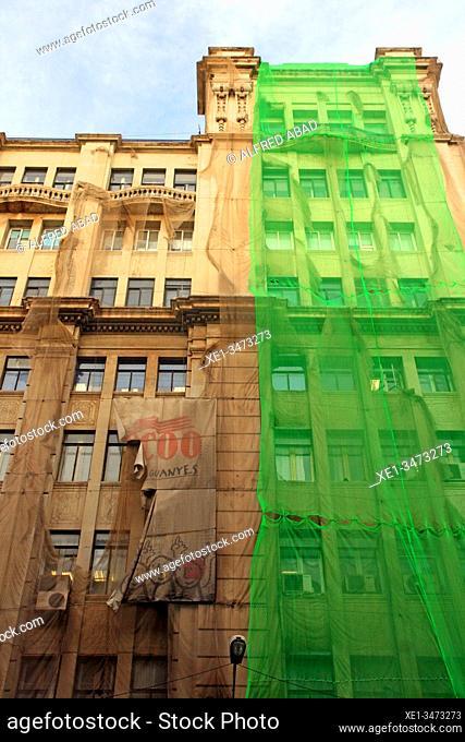 Green canvas for the rehabilitation of the CC.OO. trade union building. Via Laietana, Barcelona, Catalonia, Spain