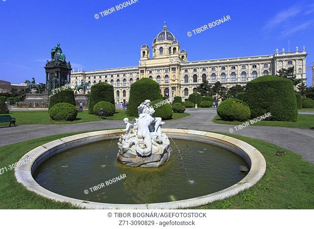 Austria, Vienna, Natural History Museum, Maria Theresien Platz, fountain, statue,