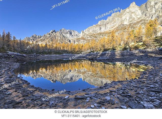 The Nero Lake in autumn immediately after the sunrise (Buscagna Valley, Alpe Devero, Alpe Veglia and Alpe Devero Natural Park, Baceno