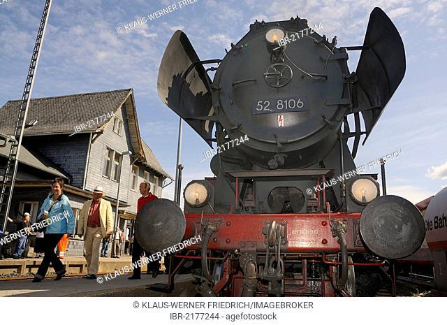 Class 52 steam locomotive pulling into the station, Bad Laasphe, Siegen Wittgenstein disrtrict, North Rhine-Westphalia, Germany, Europe
