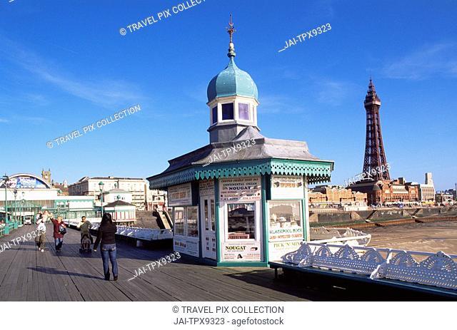 England, Lancashire, Blackpool, Kiosk on North Pier and Blackpool Tower