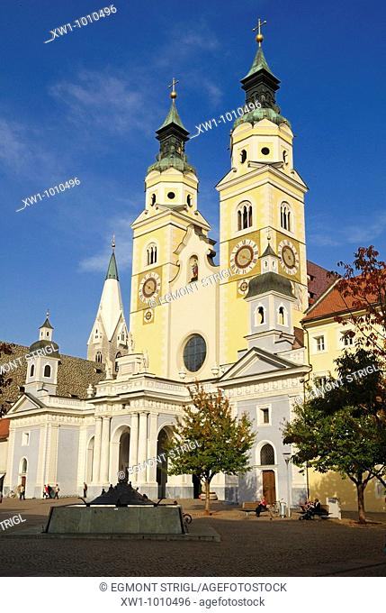historic oldtown with Dome, church of Brixen, Bressanone, Alps, Südtirol, South Tyrol, Alto Adige, Italy, Europe