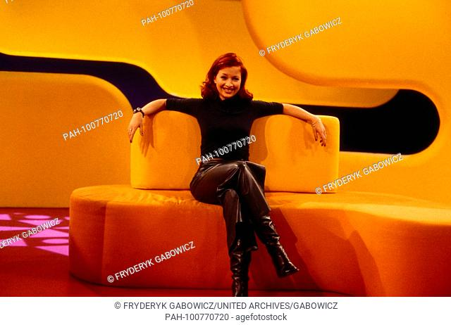 "Lori Stern in der Fernsehsendung """"Bravo TV"""" in Hamburg, Deutschland 1998. Host Lori Stern of German TV show """"Bravo TV"""", Germany 1998"