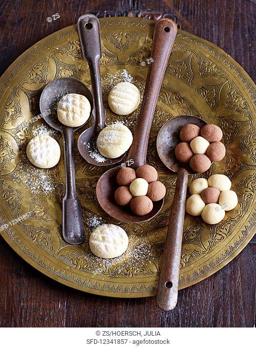Un Kurabiye (Turkish tea pastry)