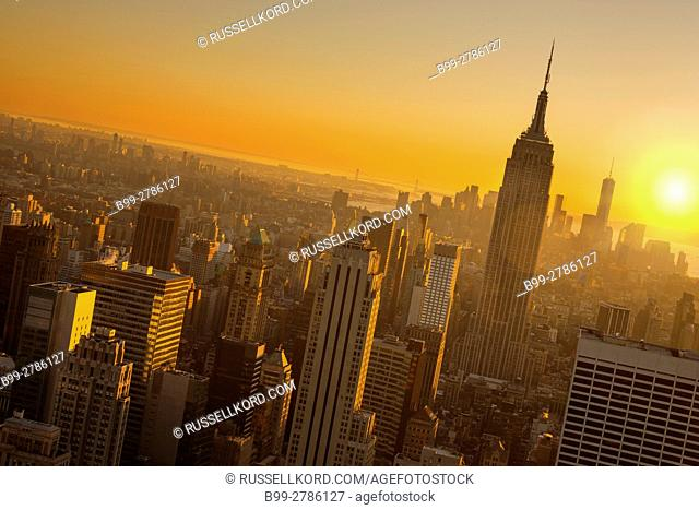EMPIRE STATE BUILDING MIDTOWN SKYLINE MANHATTAN NEW YORK CITY USA