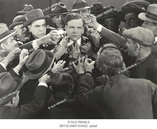 Mob scene (OLVI007-OU922-F)