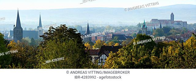 Historic centre with churches and towers, collegiate church of St. Servatius behind, UNESCO, Quedlinburg, Saxony-Anhalt, Germany