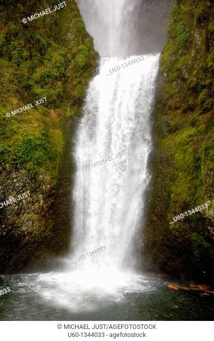 Multnomah Falls in Columbia River Gorge near Portland