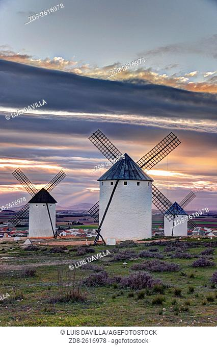 One of the main sights on this trip is here in the region of Ciudad Real, Campo de Criptana. This village presents the most famous image of La Mancha