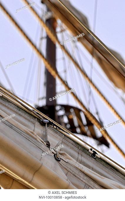 Detail and rigging, three-masted Artemis, maritime flair, Port Birthday Celebrations, Port, Hamburg, Germany, Europe