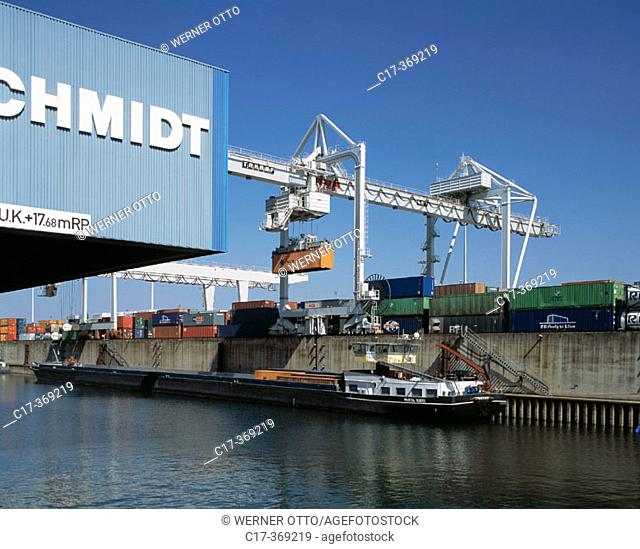 Germany, North Rhine-Westphalia, Duisburg, Rhine river, inner harbour, container terminal