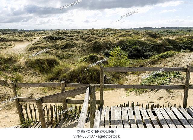03 october 2016 Tussen De Panne en de franse grens ligt het duinenlandschap van de westhoek Entre La Panne et la frontiere francaise se trouve la reserve...