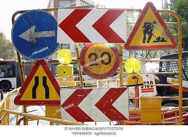 Traffic signs during works
