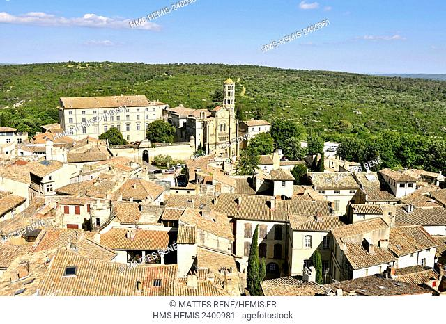 France, Gard, Pays d'Uzege, Uzes, St Theodorit Cathedral and the Fenestrelle tower