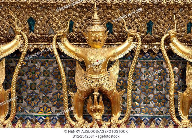Wat Arun - Temple of dawn - Bangkok - Thailand