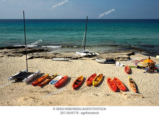 Migjorn beach, Formentera, Balears Islands, Spain. Hotel Riu la Mola. Holiday makers, tourists, Platja de Migjorn, beach, Formentera, Pityuses, Balearic Islands