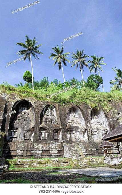 Royal tombs of Gunung Kawi, stone monuments carved into the rock wall, Gunung Kawi, Tampaksiring, Bali, Indonesia