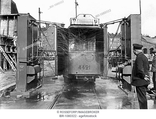 Washing plant for streetcars, historical image, 1925, Berlin, Germany, Europe