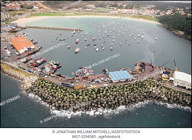 SPAIN Rias Baixas -- 15/12/2002 -- Aerial view of an unidentified fishing town on the Galician coast. Galicia has a larger fleet of fishing boats than the rest...