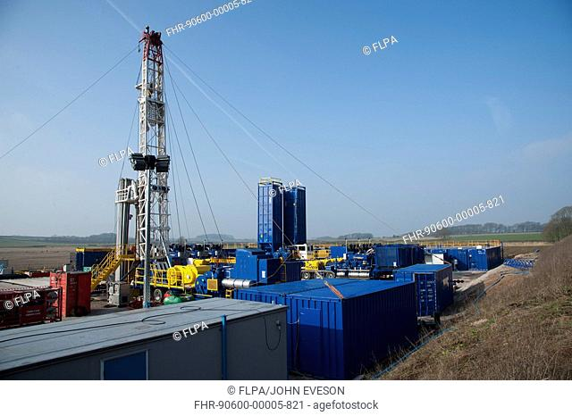 Cuadrilla shale gas drilling rig preparing for fracking, Weeton, Blackpool, Lancashire, England, march