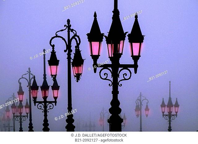 Lights on the Pont de Pierre bridge, Bordeaux, Gironde, Aquitaine, France
