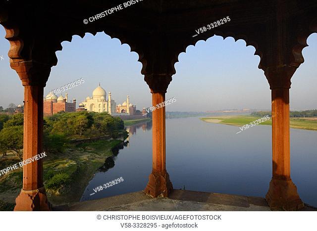 India, Uttar Pradesh, Agra, World Heritage Site, The Yamuna and Taj Mahal at sunrise