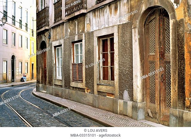 Portugal, Lisbon, city railroad line in the Rua the Escolas Gerais in the historical town quarter Graca
