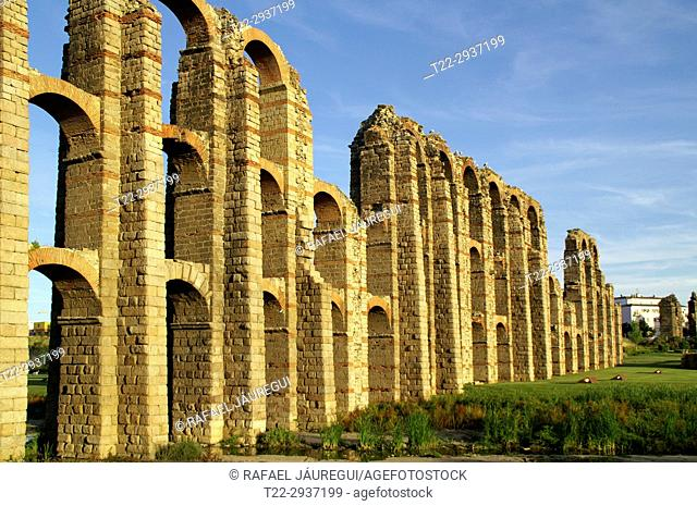 Mérida (Spain). Arches of the aqueduct of the Milagros in the city of Mérida