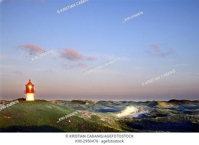 Small lighthouse of Norddorf sitting on top of a high dune, Quermarkenfeuer, Northfrisian Islands, Schleswig-Holstein, Germany, Europe