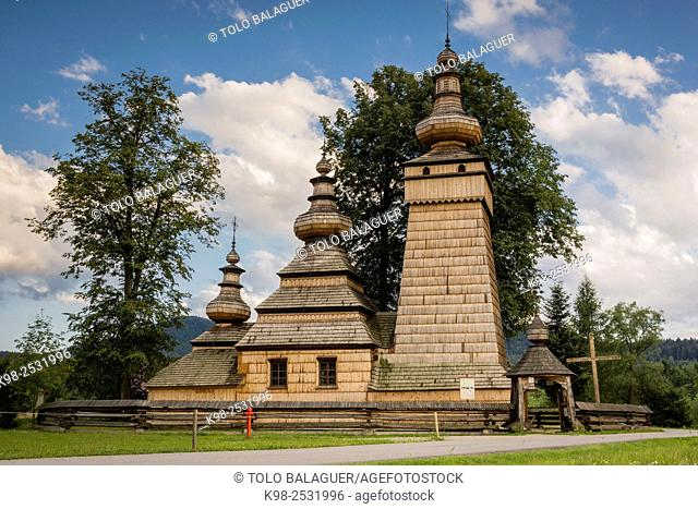iglesia ortodoxa de Santa Paraskewa , Kwiaton. Siglo XVII. Patrimonio de la humanidadconstruida integramente con madera, , voivodato de la Pequeña Polonia