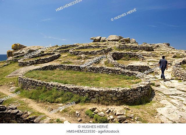 Spain, Galicia, Costa da Muerte, Castro de Barona, Celtic fortifications built in granite stone