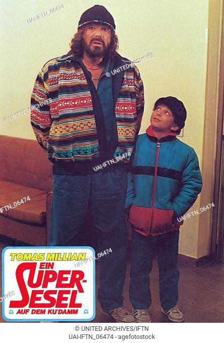 Delitto al Blue Gay, aka: Ein Superesel auf dem Ku'damm, Italien/Deutschland 1984, Regie: Bruno Corbucci, Darsteller: Tomas Millian (links)