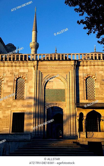 BLUE MOSQUE ENTRANCE; SULTANAHMET, ISTANBUL, TURKEY; 04/10/2011