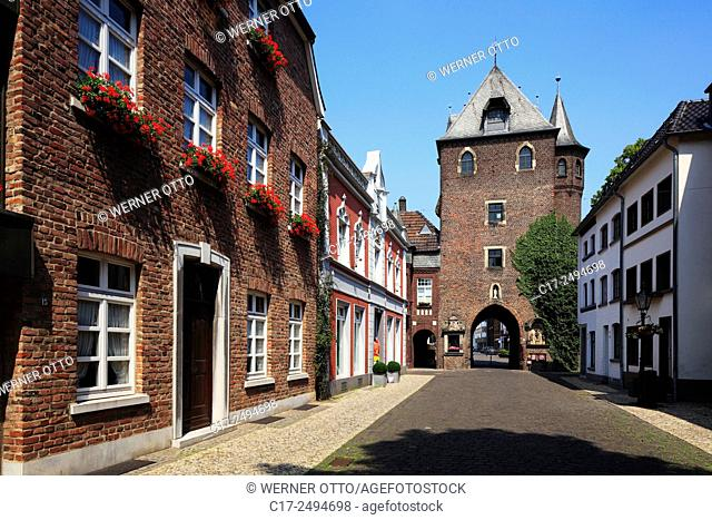 Germany, Kempen, Niers, Lower Rhine, Rhineland, North Rhine-Westphalia, NRW, Kuhtor, Cow Tower Gate, medieval city fortification, brick building