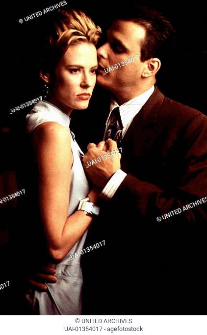 Annabel Schofield, Damian Chapa Martin (Damian Chapa) verlässt seine Frau und trifft sich erneut mit der Schönen (Annabel Schofield)