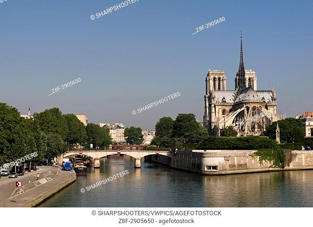 River Seine and Notre Dame Cathedral, Paris, France