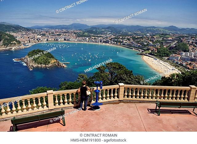 Spain, Guipuzcoa Province, San Sebastian, Santa Clara Island in the Concha Bay seen from Igueldo Mount
