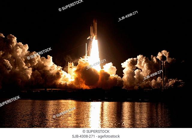 CAPE CANAVERAL, Fla. - Propelled by an estimated 7 million pounds of thrust from two solid rocket boosters and three main engines