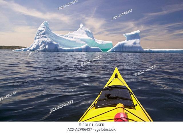 Kayaking with Iceberg, near Merritt's Habour, close to Twillingate, Kittiwake Coast, Newfoundland, Canada